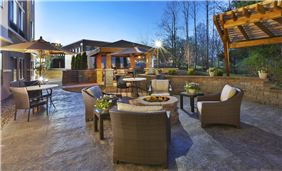 Patio Area - Staybridge Suites Columbia