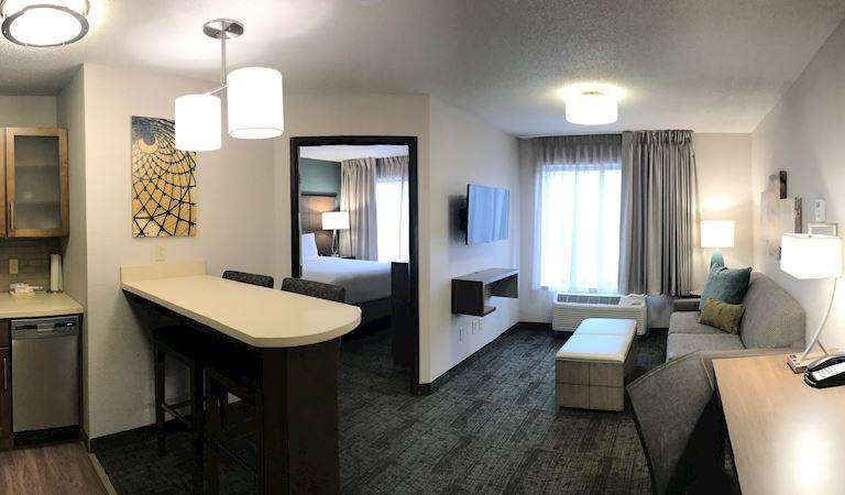 Staybridge Suites Columbia Hotel, Missouri 1 Bedroom Suite 1 Queen Bed Non-smoking