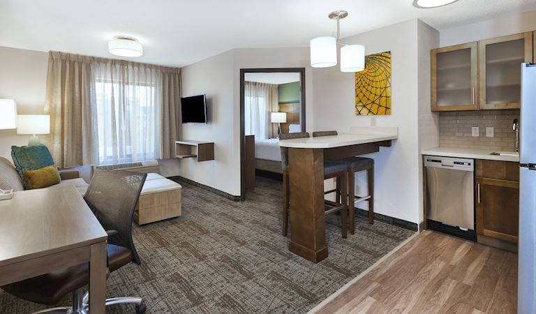 Staybridge Suites Columbia Hotel, Missouri 1 Bedroom Suite 1 Queen Bed Non-smoking
