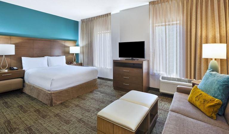 Staybridge Suites Columbia Hotel, Missouri 1 Bedroom 1 Queen Accessible Roll In Shower Non-smoking